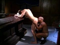 2 gays léchent le cul après le boulot